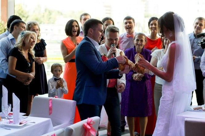 ведущий илья на свадьбу фото